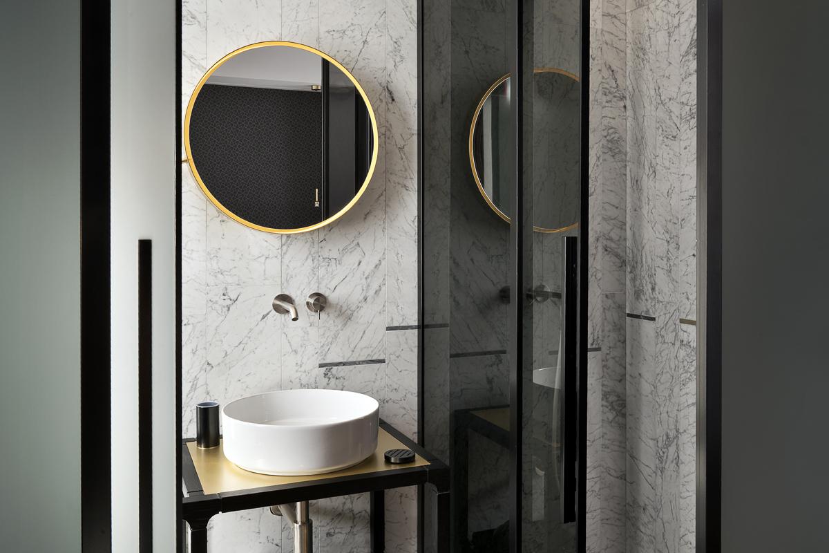 Camera singola design hotel milano conti guest house - Bagno conti cesenatico ...